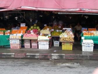 Visit Warorot Market in Chiang Mai, Thailand